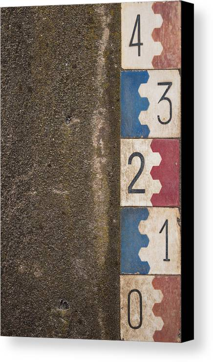 Measure Canvas Print featuring the photograph Low Tide by Nuno Firmino