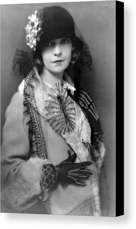 Lillian Gish Actress Vintage Black White Woman Girl Female 1922 Canvas Print featuring the photograph Lillian Gish 1922 by Steve K