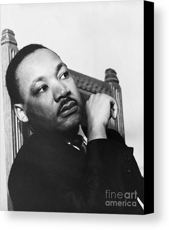 History Canvas Print featuring the photograph Martin Luther King, Jr by Photo Researchers