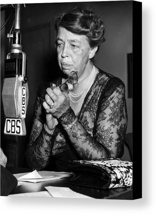 1940s Candid Canvas Print featuring the photograph Former First Lady Eleanor Roosevelt by Everett