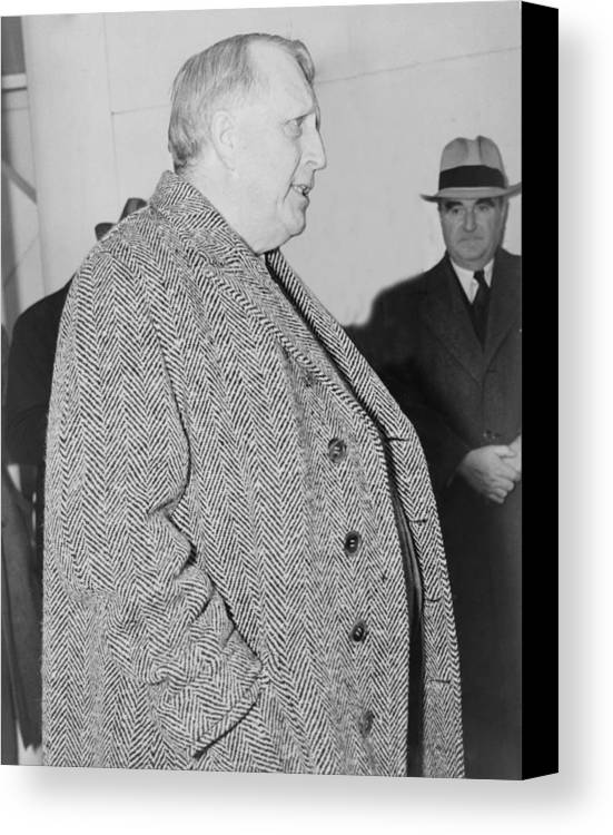 History Canvas Print featuring the photograph William Randolph Hearst, Sr. 1863-1951 by Everett