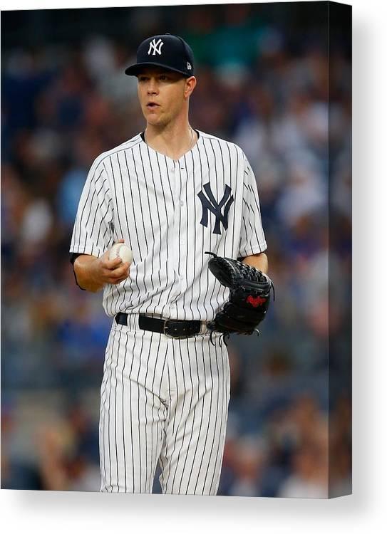 New York Mets V New York Yankees Canvas Print