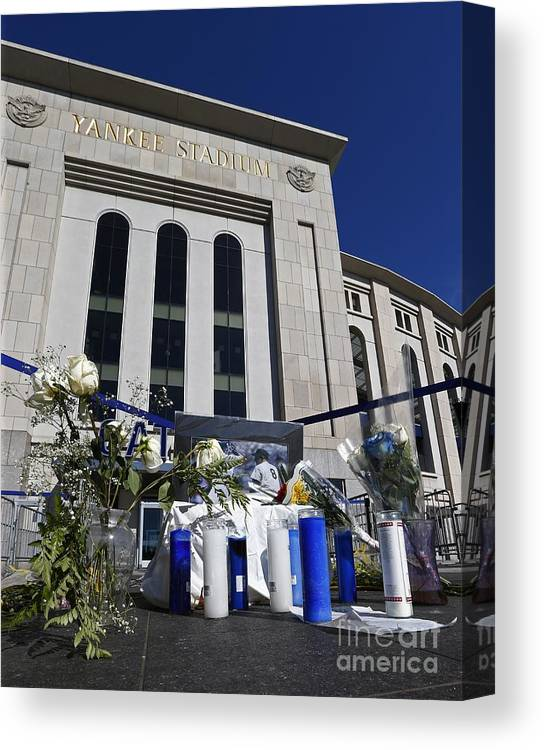 American League Baseball Canvas Print featuring the photograph Chicago White Sox V New York Yankees 3 by Rich Schultz