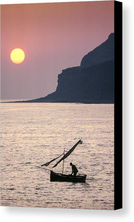 Eastland Canvas Print featuring the photograph Itilo Bay Sunset by Peter Eastland