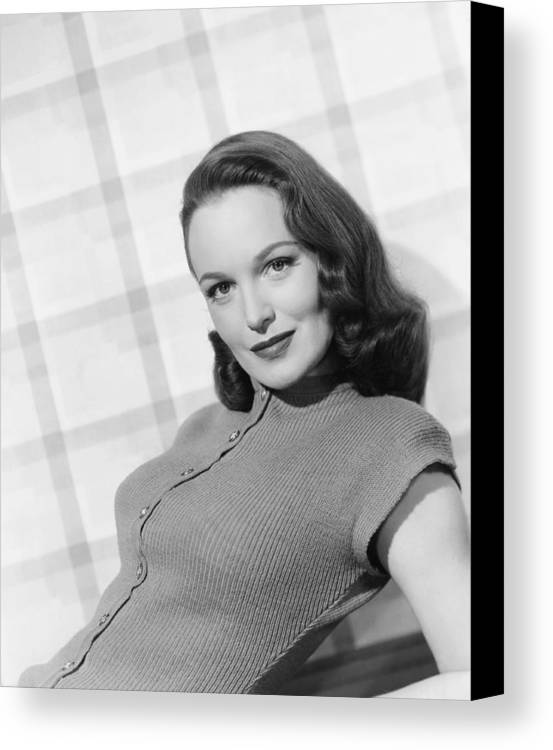 1940s Hairstyles Canvas Print featuring the photograph Columbia Starlet Dorothy Hart, Ca. 1947 by Everett