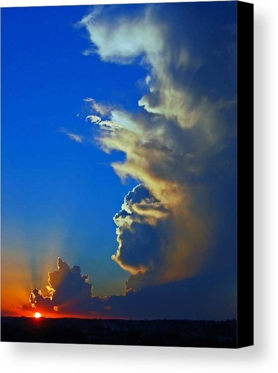 Landscapes Canvas Print featuring the photograph Day's End. by Randall Templeton
