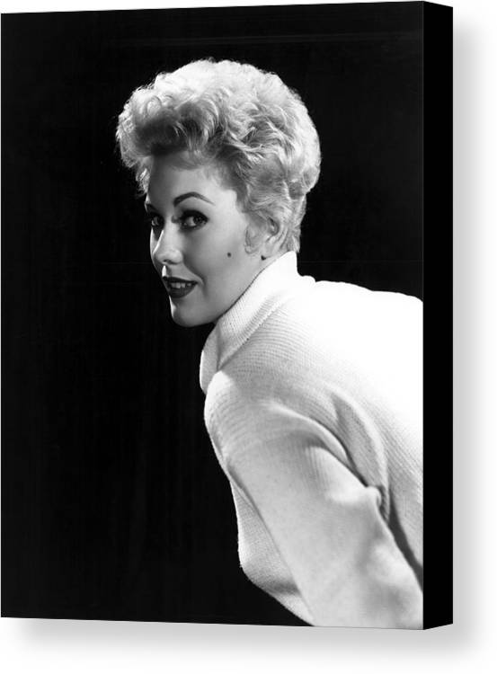 Beauty Mark Canvas Print featuring the photograph Kim Novak, 1955 by Everett