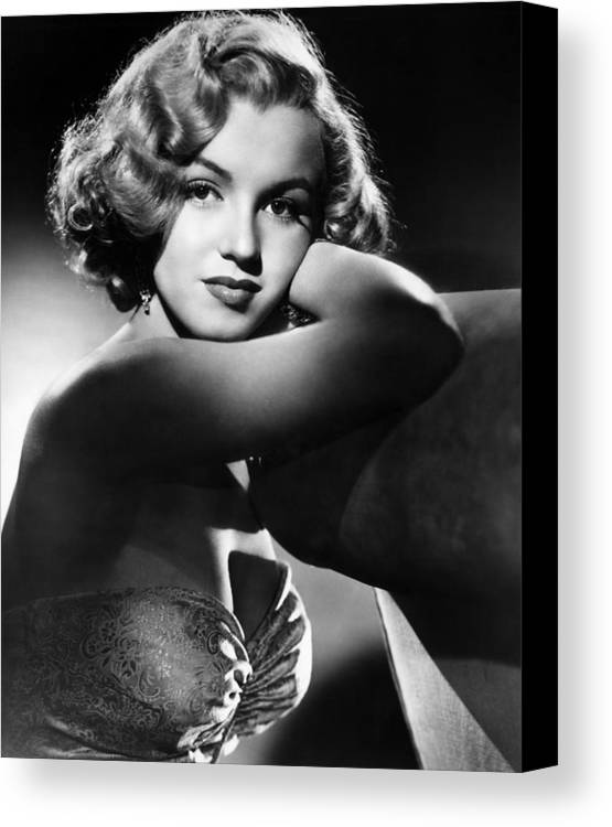 1950 Movies Canvas Print featuring the photograph All About Eve, Marilyn Monroe, 1950 by Everett