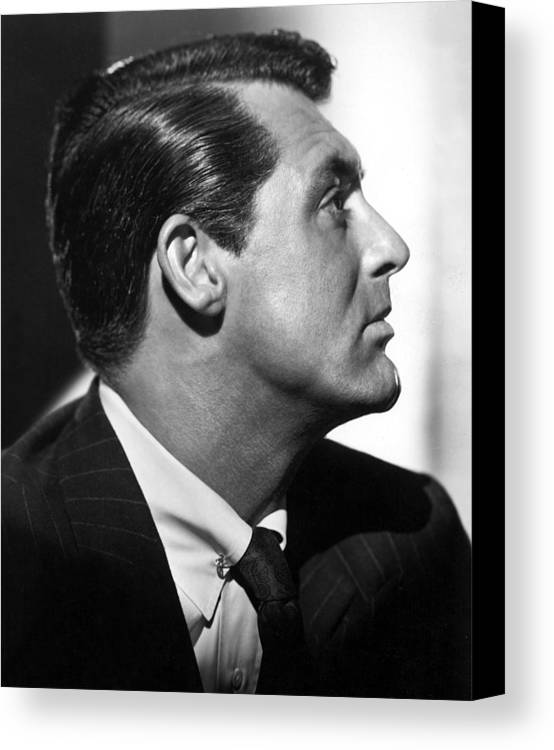 1940s Movies Canvas Print featuring the photograph Notorious, Cary Grant, 1946 by Everett