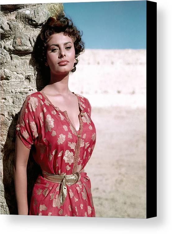 1950s Portraits Canvas Print featuring the photograph Sophia Loren, 1950s by Everett