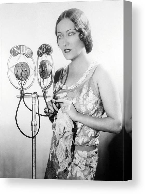 Gloria Swanson Canvas Print featuring the photograph Gloria Swanson by Silver Screen