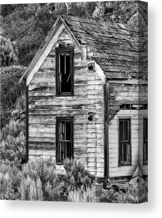 2013 Canvas Print featuring the photograph Abandoned Farmhouse - Alstown - Washington - May 2013 by Steve G Bisig