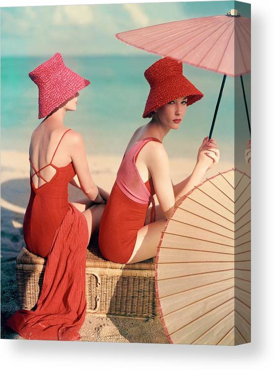 Fashion Canvas Print featuring the photograph Models At A Beach by Louise Dahl-Wolfe