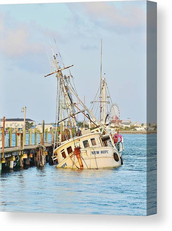 New Hope Canvas Print featuring the photograph The New Hope Sunken Ship - Ocean City Maryland by Kim Bemis