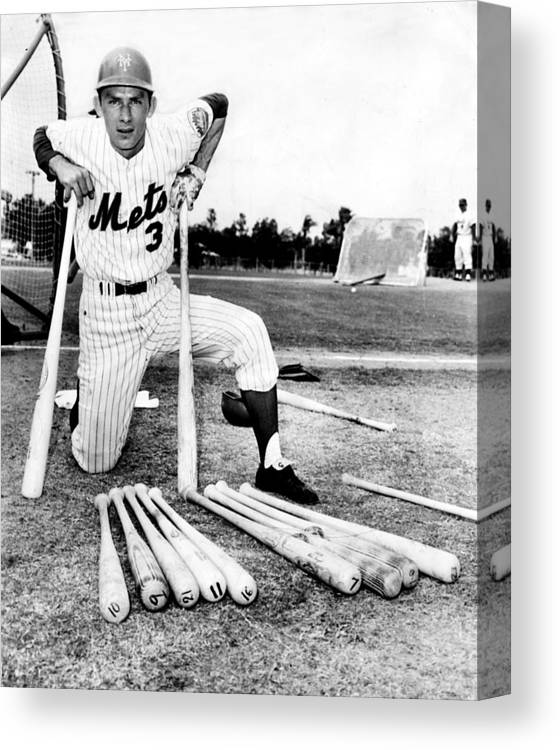 American League Baseball Canvas Print featuring the photograph Shortstop Bud Harrelson With His Heavy by New York Daily News Archive