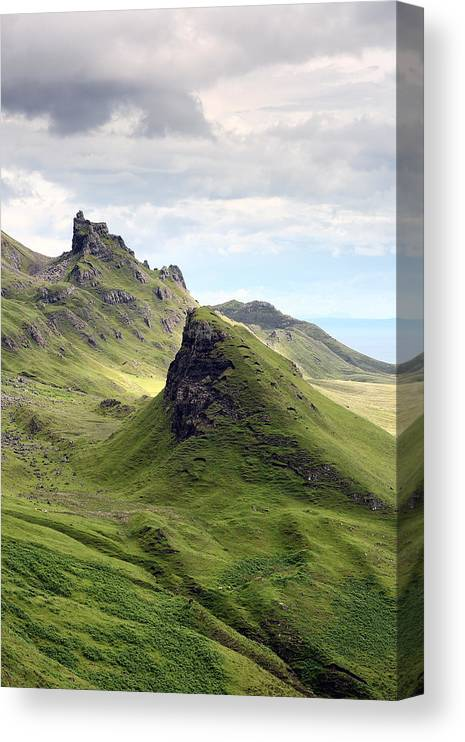 Trotternish Canvas Print featuring the photograph The Quiraing by Grant Glendinning
