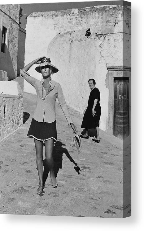 Accessories Canvas Print featuring the photograph Ginette Camo In Patmos by Henry Clarke