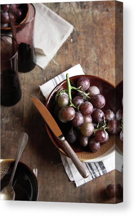 Spoon Canvas Print featuring the photograph Grape by 200