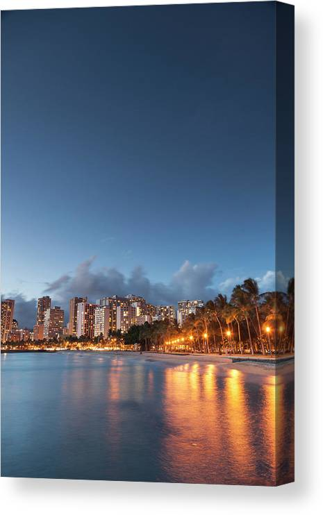 Honolulu Canvas Print featuring the photograph Hawaii, Oahu, Honolulu by Michele Falzone