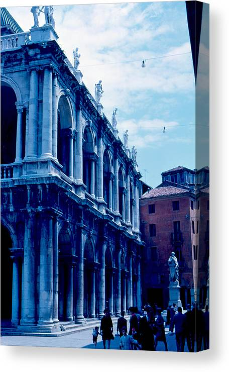 Piazza Del Signore Canvas Print featuring the photograph Vicenza Piazza del Signore 1962 by Cumberland Warden