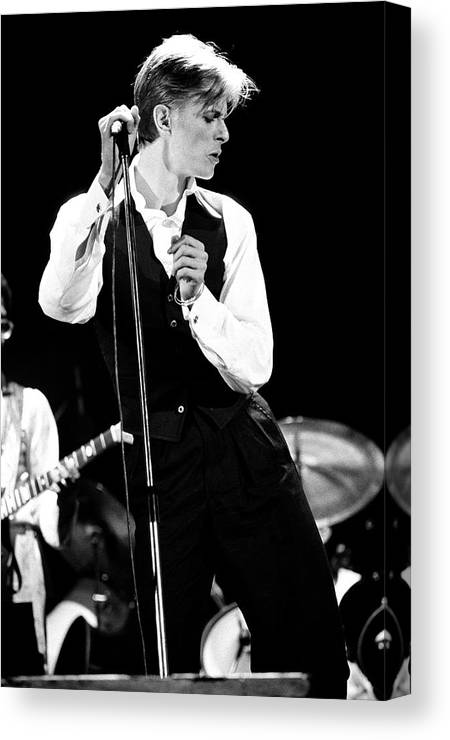 David Bowie Canvas Print featuring the photograph David Bowie 1976 #2 by Chris Walter