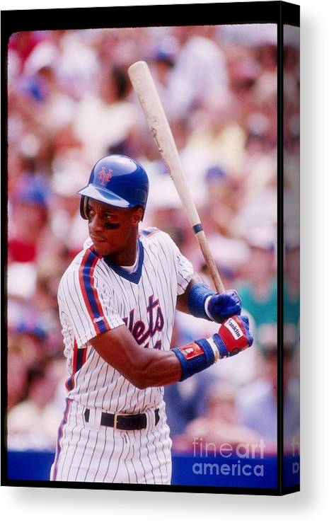 1980-1989 Canvas Print featuring the photograph Darryl Strawberry by Getty Images