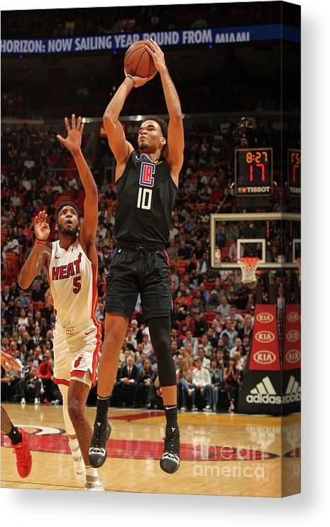Jerome Robinson Canvas Print featuring the photograph La Clippers V Miami Heat by Oscar Baldizon