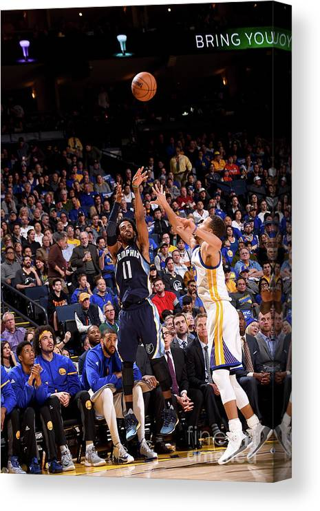 Nba Pro Basketball Canvas Print featuring the photograph Memphis Grizzlies V Golden State by Noah Graham