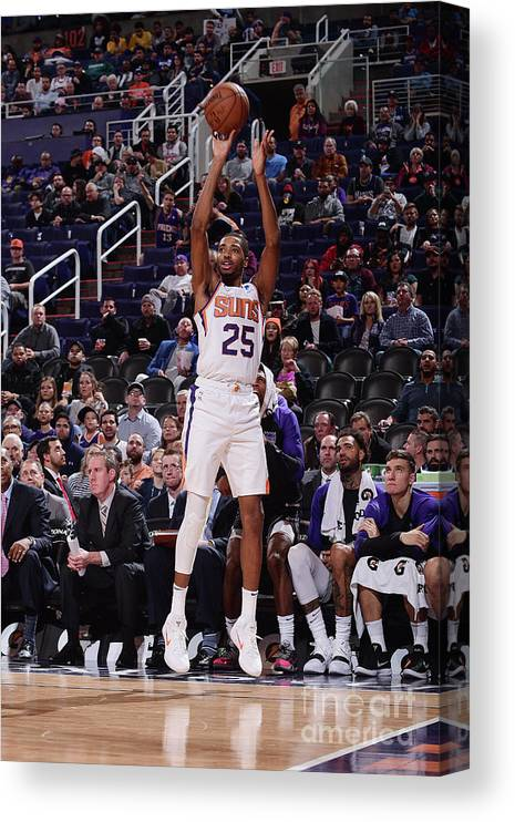 Nba Pro Basketball Canvas Print featuring the photograph Sacramento Kings V Phoenix Suns by Michael Gonzales