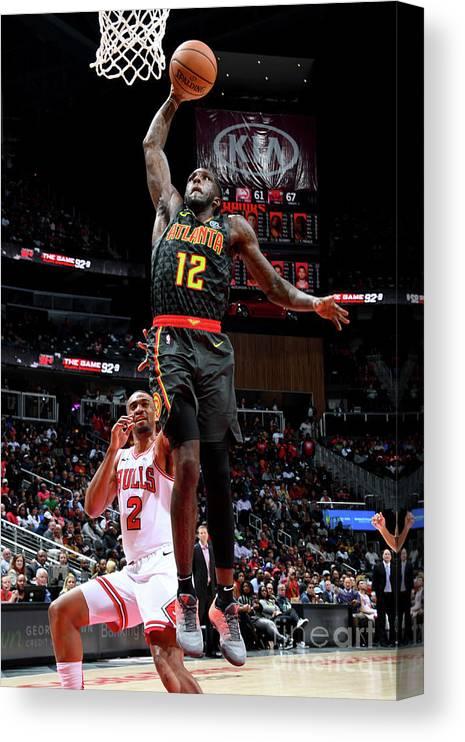 Atlanta Canvas Print featuring the photograph Chicago Bulls V Atlanta Hawks by Scott Cunningham