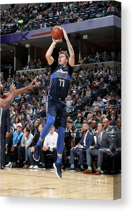 Nba Pro Basketball Canvas Print featuring the photograph Dallas Mavericks V Memphis Grizzlies by Joe Murphy