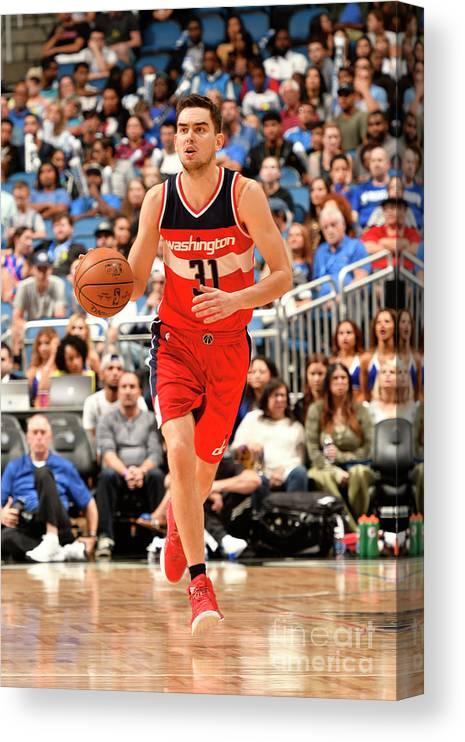 Nba Pro Basketball Canvas Print featuring the photograph Washington Wizards V Orlando Magic by Fernando Medina