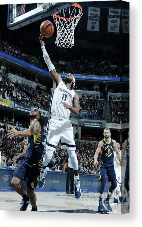 Nba Pro Basketball Canvas Print featuring the photograph Memphis Grizzlies V Indiana Pacers by Ron Hoskins