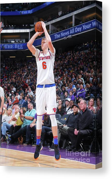 Nba Pro Basketball Canvas Print featuring the photograph New York Knicks V Sacramento Kings by Rocky Widner