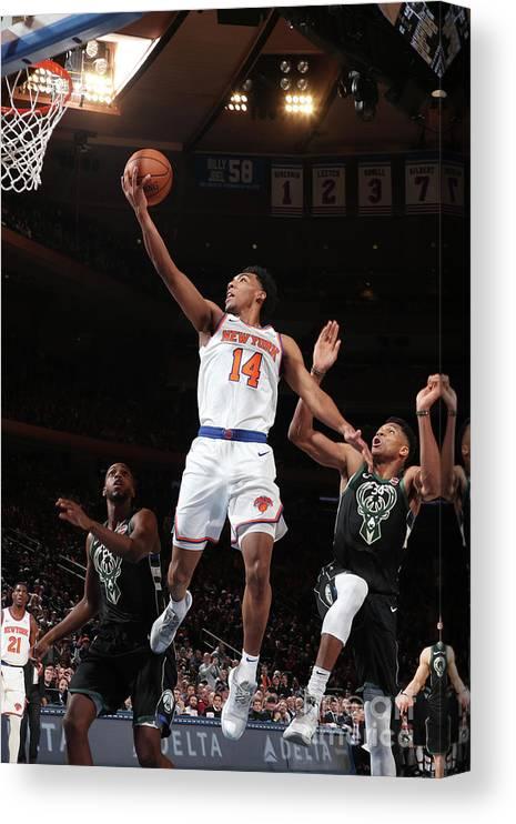 Nba Pro Basketball Canvas Print featuring the photograph Milwaukee Bucks V New York Knicks by Nathaniel S. Butler