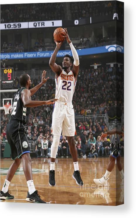 Nba Pro Basketball Canvas Print featuring the photograph Phoenix Suns V Milwaukee Bucks by Gary Dineen