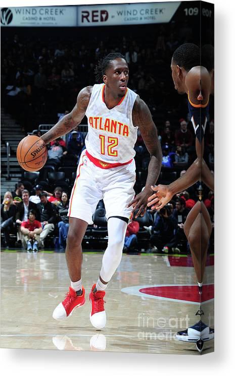 Atlanta Canvas Print featuring the photograph Utah Jazz V Atlanta Hawks by Scott Cunningham