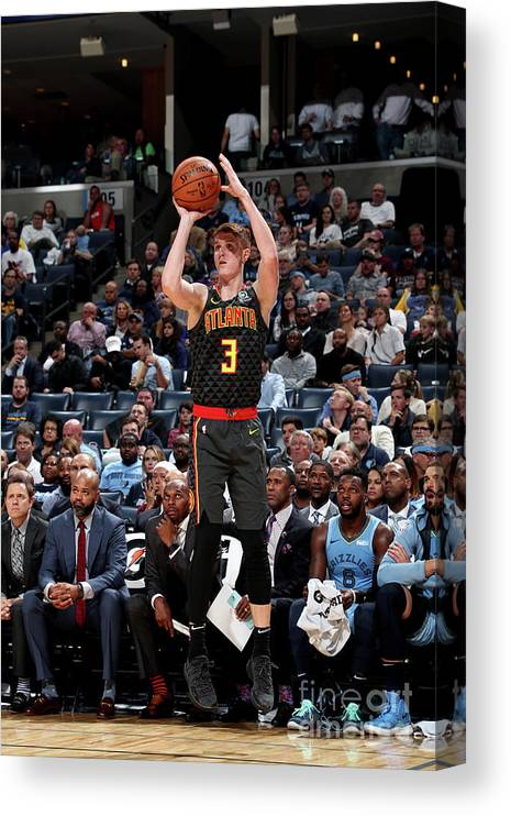 Nba Pro Basketball Canvas Print featuring the photograph Atlanta Hawks V Memphis Grizzlies by Joe Murphy