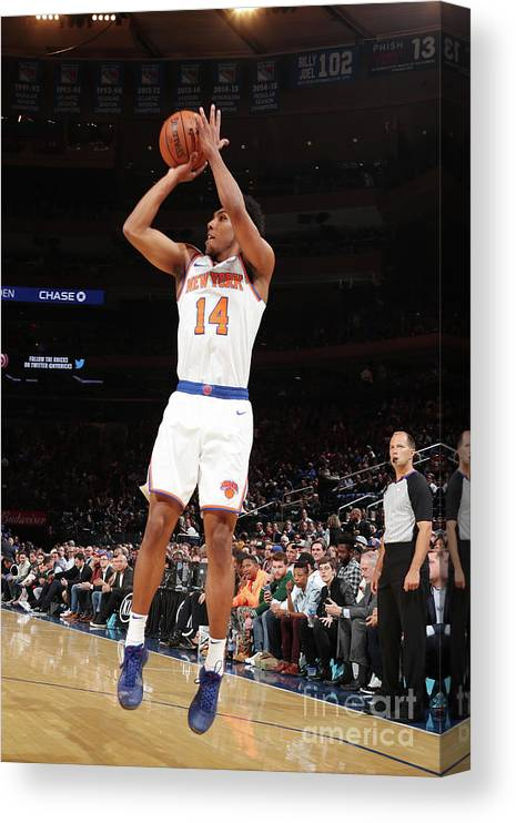 Event Canvas Print featuring the photograph Atlanta Hawks V New York Knicks by Nathaniel S. Butler