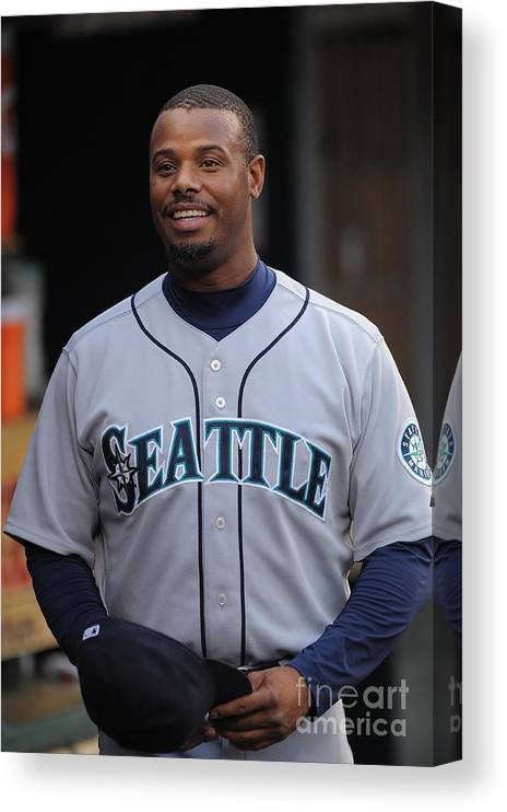 People Canvas Print featuring the photograph Seattle Mariners V Detroit Tigers by Mark Cunningham