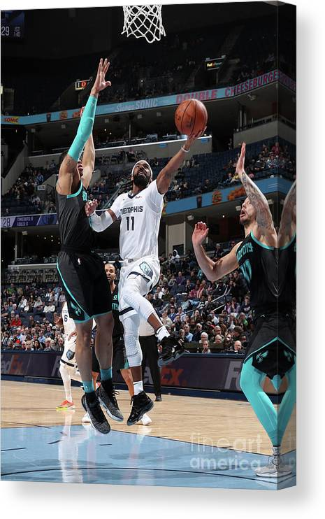 Nba Pro Basketball Canvas Print featuring the photograph Charlotte Hornets V Memphis Grizzlies by Joe Murphy