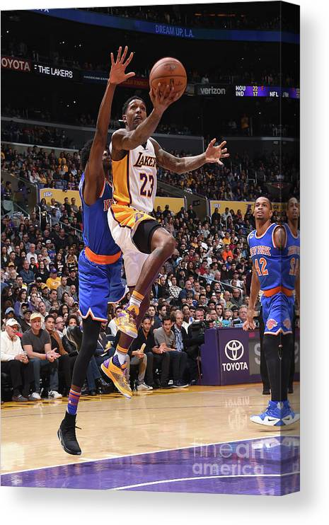 Nba Pro Basketball Canvas Print featuring the photograph New York Knicks V Los Angeles Lakers by Andrew D. Bernstein