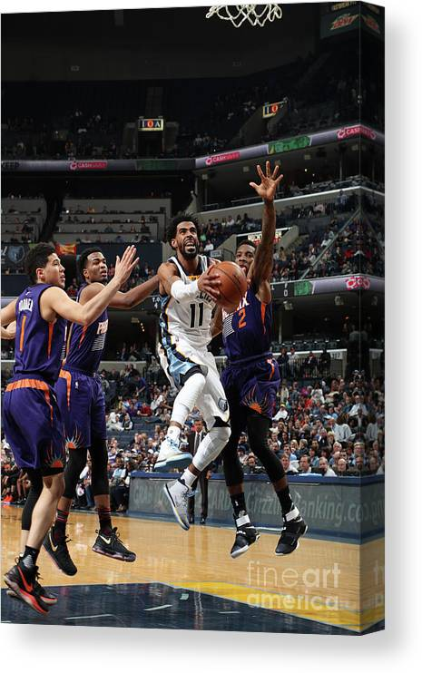 Nba Pro Basketball Canvas Print featuring the photograph Phoenix Suns V Memphis Grizzlies by Joe Murphy
