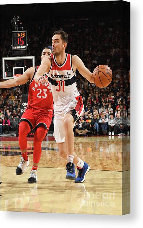 Nba Pro Basketball Canvas Print featuring the photograph Washington Wizards V Toronto Raptors by Ron Turenne