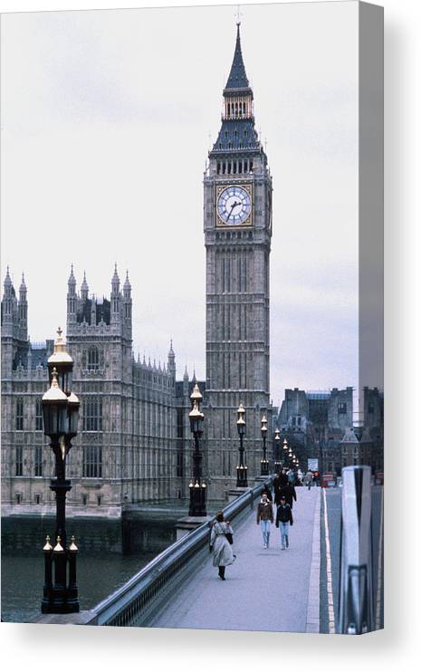 Clock Tower Canvas Print featuring the photograph Big Ben In London by Dick Luria