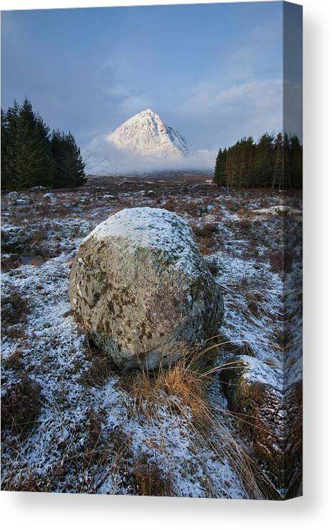 Rannoch Moor Canvas Print featuring the photograph Buachaille Etive Mor Sunlight by Paul Whiting