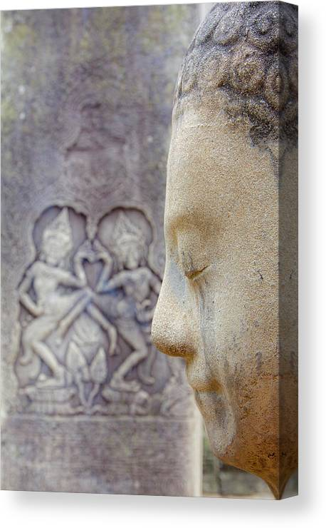 Hinduism Canvas Print featuring the photograph Camboya by Luismix
