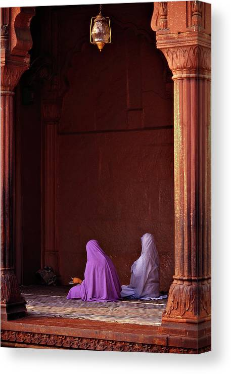 Hanging Canvas Print featuring the photograph India - Jama Masjid Mosque by Sergio Pessolano