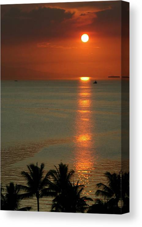 East Canvas Print featuring the photograph Manila Bay Sunset by Vanwyckexpress