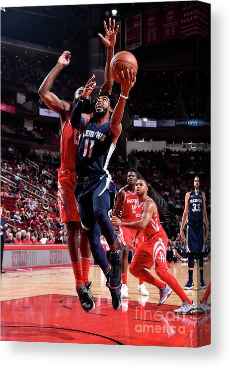 Nba Pro Basketball Canvas Print featuring the photograph Memphis Grizzlies V Houston Rockets by Bill Baptist